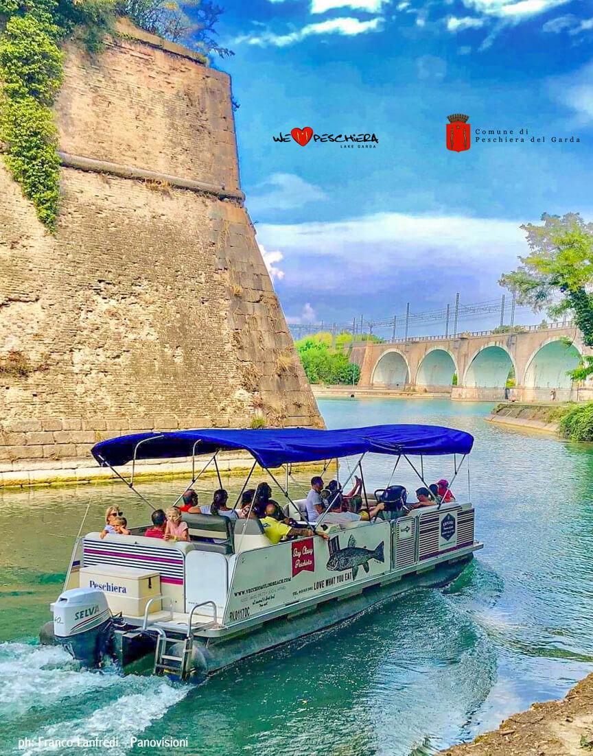 Attività Peschiera - Tour delle mura in barca